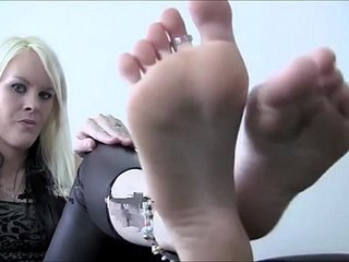 Admire Femdom Goddess Frontier fingers Piss off Instructions