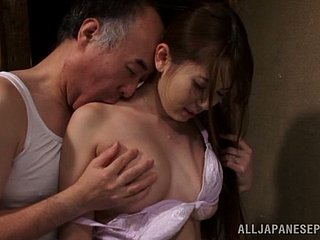 Yummy Asian hun gets divest with an papa