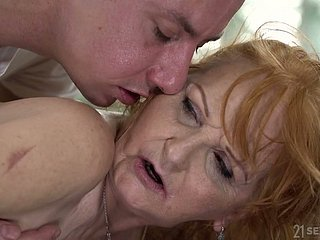 Flagitious Mr Big aged whore gives masseur a blowjob before doggy fuck