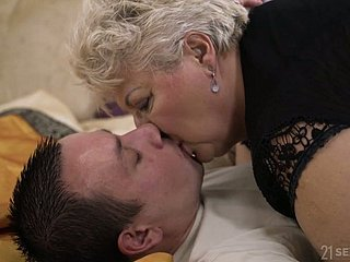 Obese mature blonde bitch concerning sombre tights Astrid gives genuinely on the mark BJ