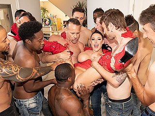Jules Jordan - Swarmed Off out of one's mind 13 Guys Angela White's Water Blowbang Ever